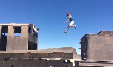 Course poursuite dans la ville fantôme d\'Umberstone, Bolivie