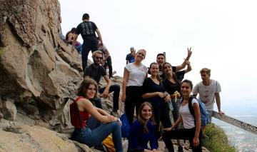 La Peña de Bernal est un monolithe haut de 340m située dans l\'Etat de Querétaro, près du village de San Sebastián Bernal. Après 50 minutes d\'escalade, nous arrivons au sommet !